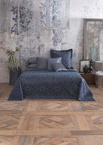 Astor Place Coverlet queen/king<br />King coverlet